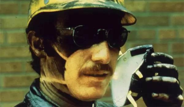 雾霾天口罩的正确带法