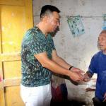 仁寿县藕塘乡 6名成功人士回乡与贫困户结对帮扶