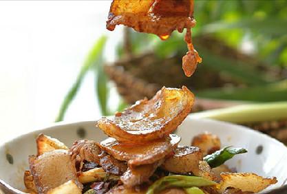 家常菜:杏鲍菇回锅肉的做法