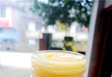 瓦屋山原生态天然岩蜂蜜