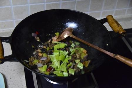 下饭菜泡椒鸡杂的做法步骤10