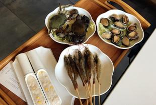 好吃不过海鲜好玩不过海边 不出眉山就吃泰式火锅爽翻