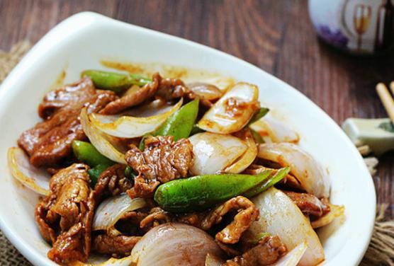 家常菜:洋葱炒牛肉的做法