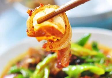 眉山美食:陈记烧菜馆的肝腰合炒和排骨回锅肉