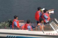 随着夏季天气持续升温,到眉山市仁寿县黑龙滩水库游泳的人员骤增,安全隐患日益突出...