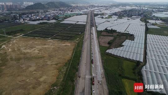 四川高速交警发布国庆出行预警 注意绕行