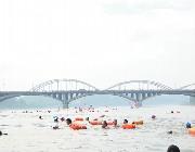 [乐山]壮观!乐山200多名游泳爱好者横渡岷江